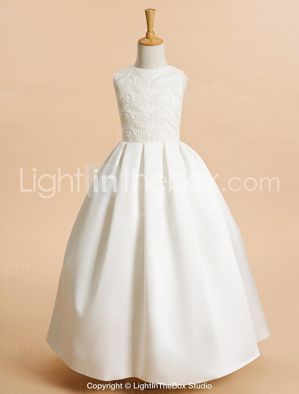 52314976a4 Elsőáldozó ruhák - La Tulipe Blanche | Esküvői ruhaszalon Veszprém ...
